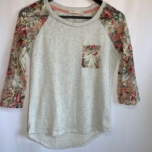 Do Not Disturb 3/4 Raglan Lace Sleeve Small